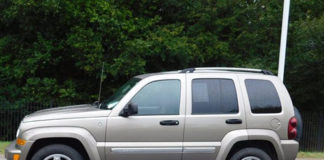 Jeep Liberty side view
